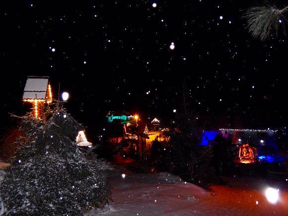 Vánoční výzdoba obce Kladruby v Železných horách, autor Jiří Štekl